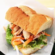 ベトナム風サンドイッチ ピリ辛ささみ(スープ付き)