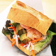 ベトナム風サンドイッチ アボカドとえび(スープ付き)